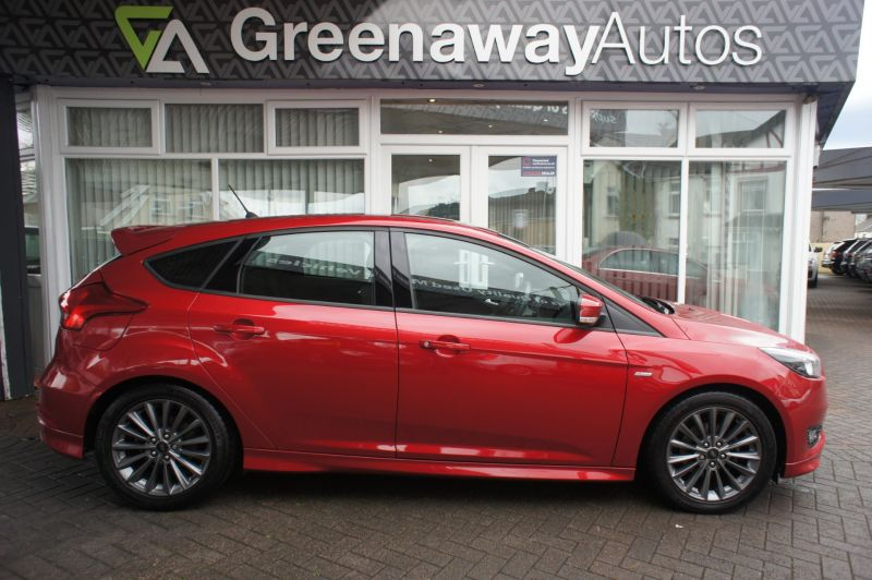 Used FORD FOCUS in Cardiff, Wales for sale