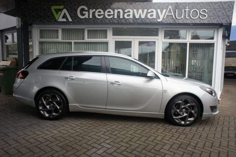 Used VAUXHALL INSIGNIA in Cardiff, Wales for sale