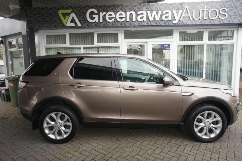 Used LAND ROVER DISCOVERY SPORT in Pontypridd, Wales for sale