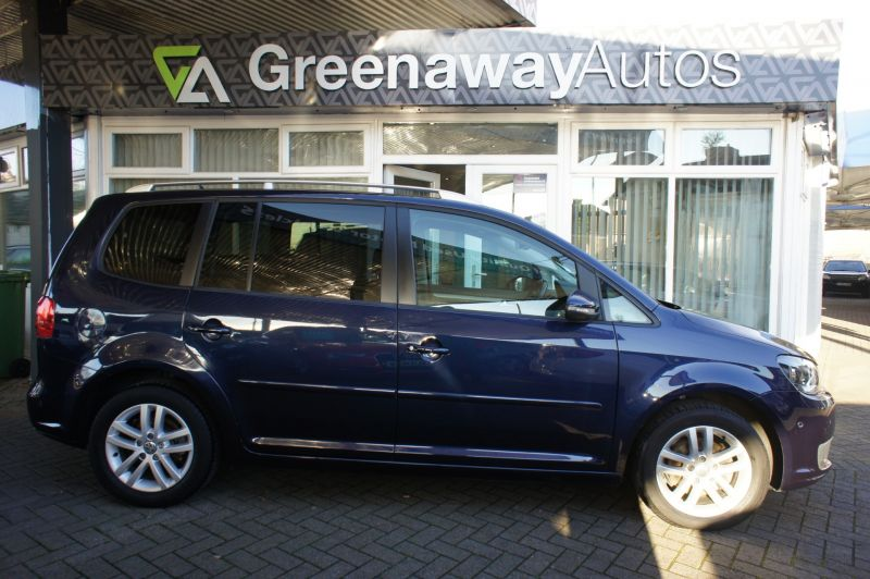 Used VOLKSWAGEN TOURAN in Cardiff, Wales for sale