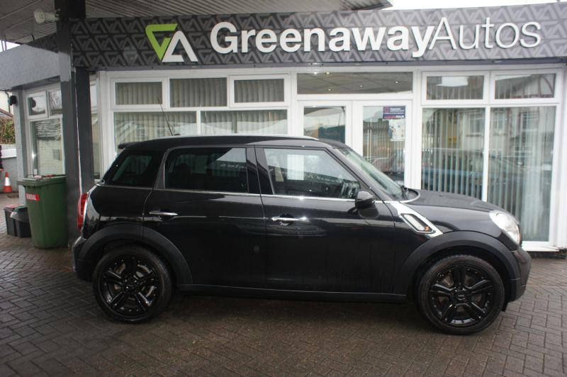 Used MINI COUNTRYMAN in Pontypridd, Wales for sale
