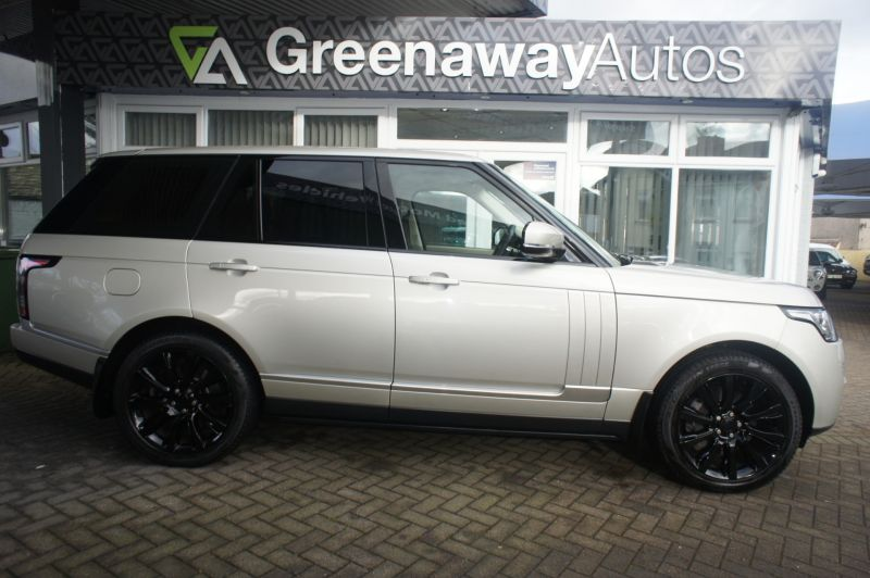 Used LAND ROVER RANGE ROVER in Cardiff, Wales for sale