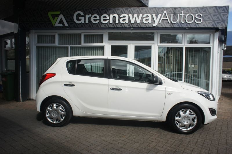 Used HYUNDAI I20 in Cardiff, Wales for sale