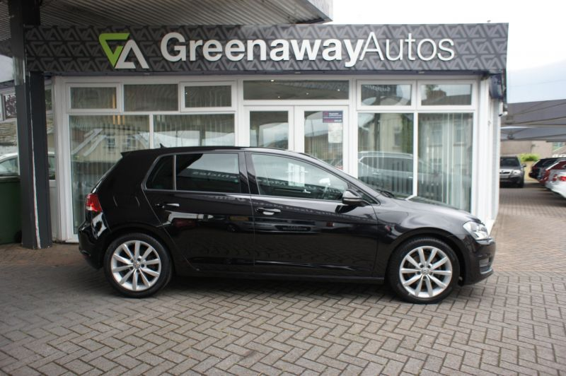 Used VOLKSWAGEN GOLF in Cardiff, Wales for sale
