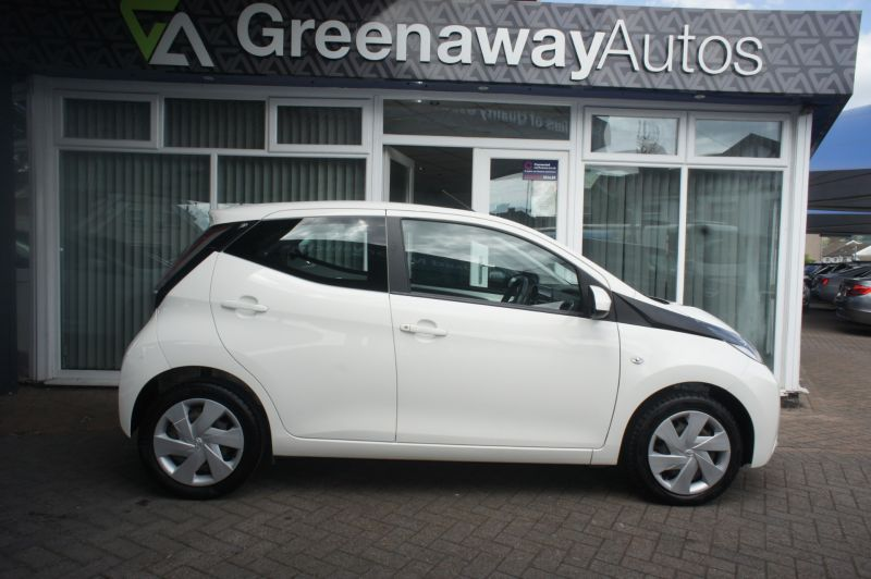 Used TOYOTA AYGO in Cardiff, Wales for sale