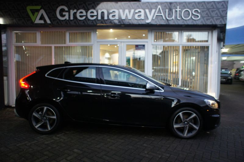 Used VOLVO V40 in Cardiff, Wales for sale